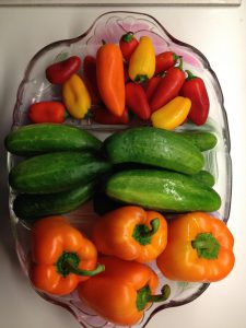 eat fresh vegetables with every meal to eat healthy and lose weight